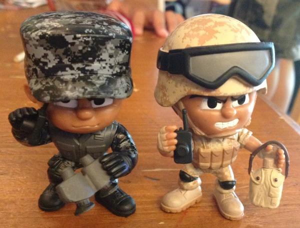 lil-troops-with-stuff