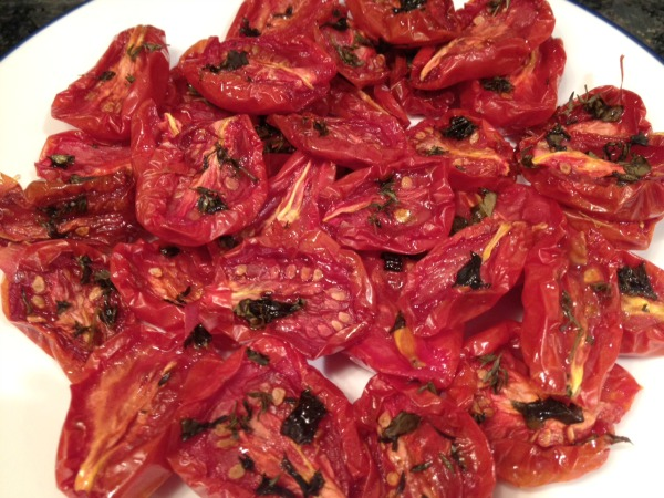 oven-roasted-tomatoes-on-plate