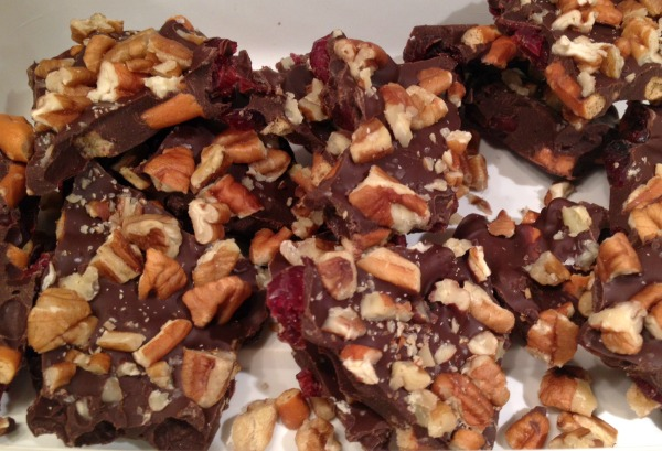 finished-pretzel-bark