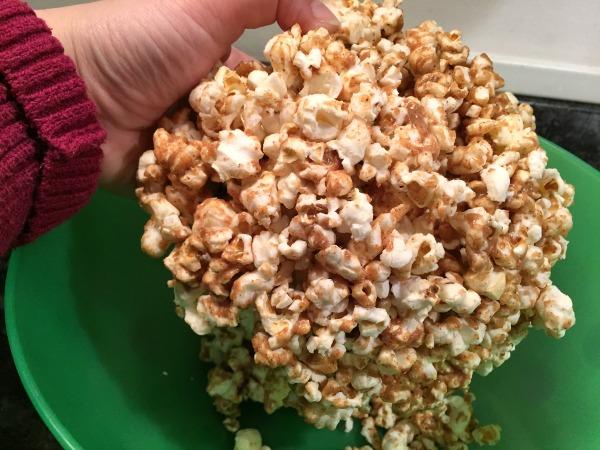 sticky-popcorn