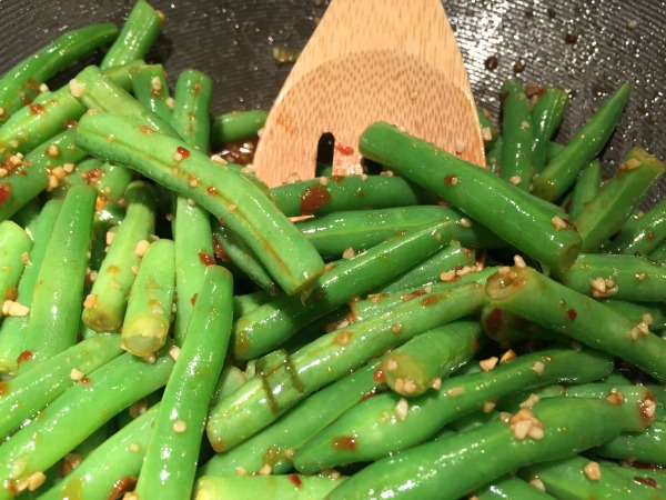 pf-changs-spicy-green-beans-in-pan-2