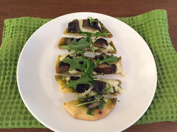 sliced-portobello-naan-pizza-2