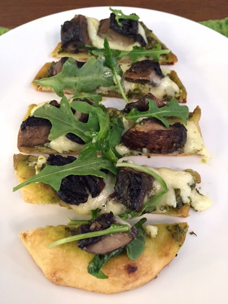 sliced-portobello-naan-pizza-3
