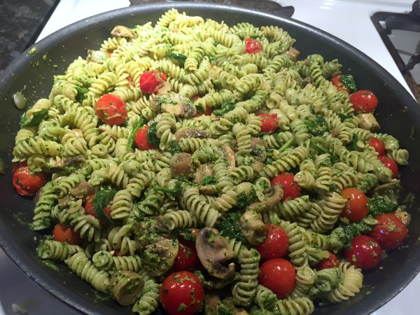 parsley-pesto-pasta-in-pan