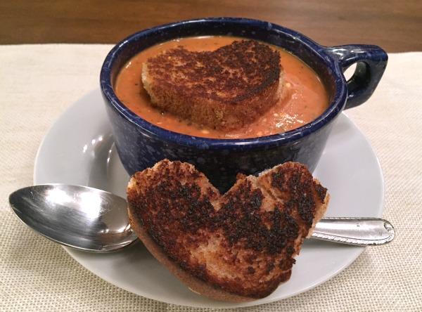 hearty-tomato-hummus-soup