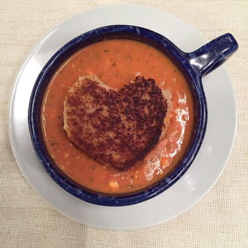 topdown-tomato-soup