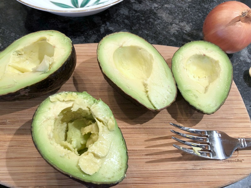 Cut avocados. Have you ever wondered how to freeze guacamole for later use when avocados are plentiful, cheap, or in season? Here's how to make guacamole for freezing, as well as how to easily thaw it out for later during the lean times when avocados are over-ripe, under-ripe, or ridiculously expensive.