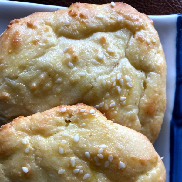 These low carb rolls hold together really nicely after baking, making them great for hamburger buns or sandwich rolls, and the full fat Greek yogurt gives them a sourdough-ish tang (while keeping them keto friendly). These easy homemade low carb rolls are also gluten free!