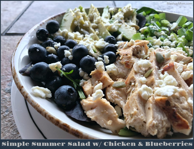summer salad with chicken and blueberries
