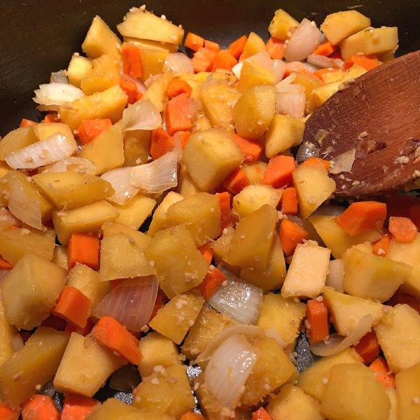 saute squash and carrots
