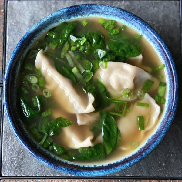 Shortcut wonton soup with spinach using frozen wontons