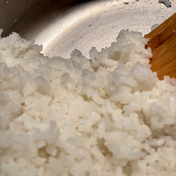 cooked rice does not stick to the pot