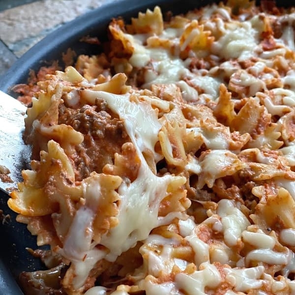 easy cheesy beautiful pasta skillet