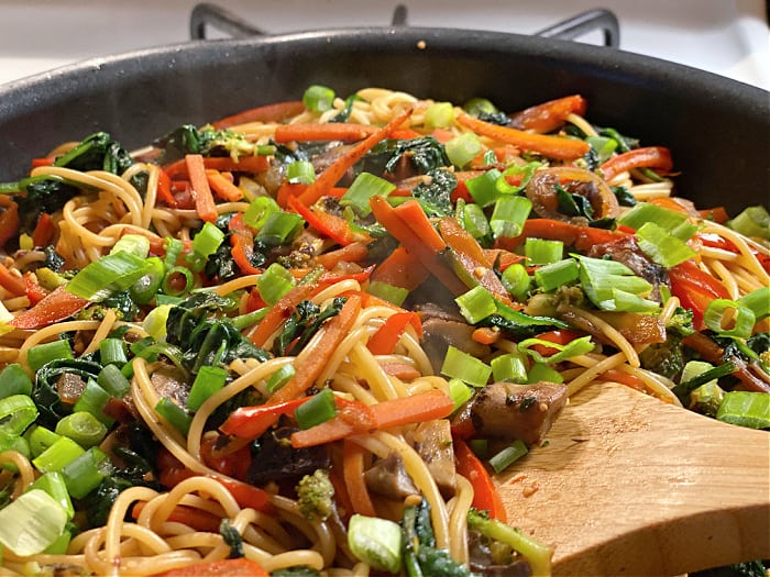 stir noodles and sauce into the lo mein